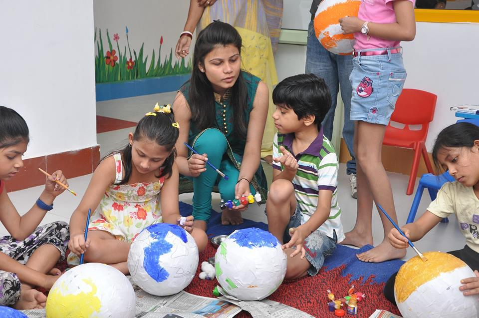 Art and craft class for students at explorers playschool and day care